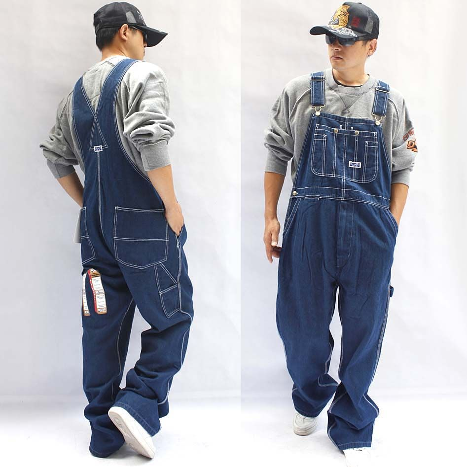 Topless women in overalls lil chica creampie