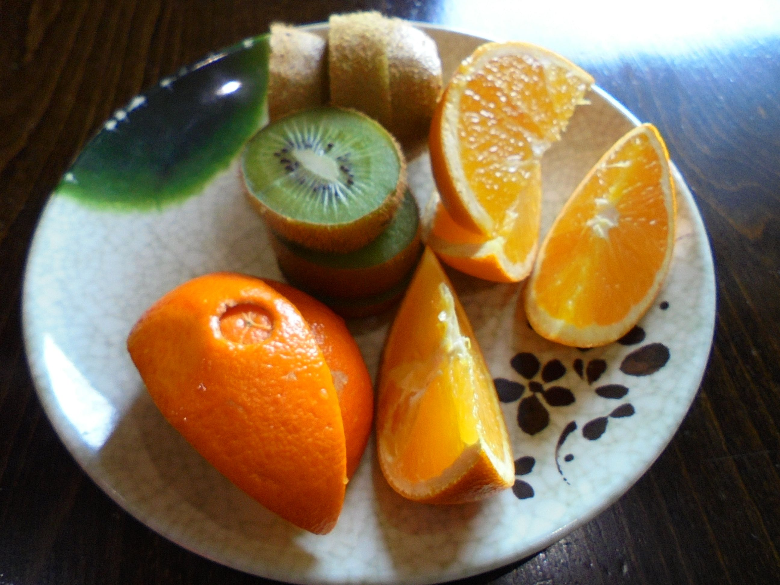 #SlicedOrange and #slicedKiwi as #dessert - www.drewrynewsnetwork.com