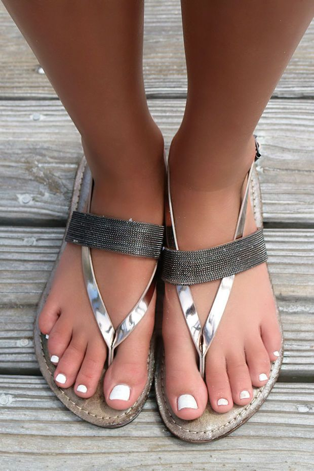 060346924fade Maldives Metallic Strap Textured Pewter Thong Sandals