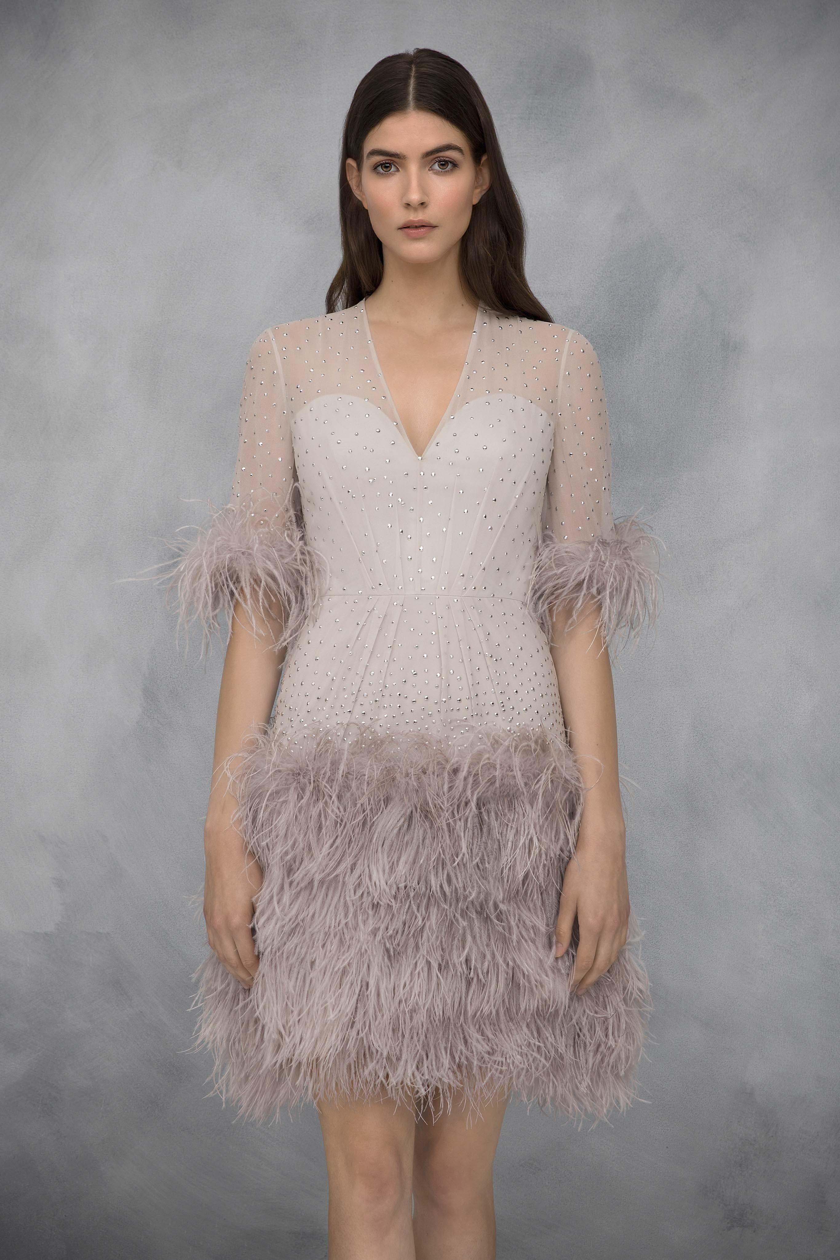 f987b3901b Jenny Packham Resort 2019 London Collection - Vogue purveyoroffinefabrics   rexfabrics  passionforfabrics