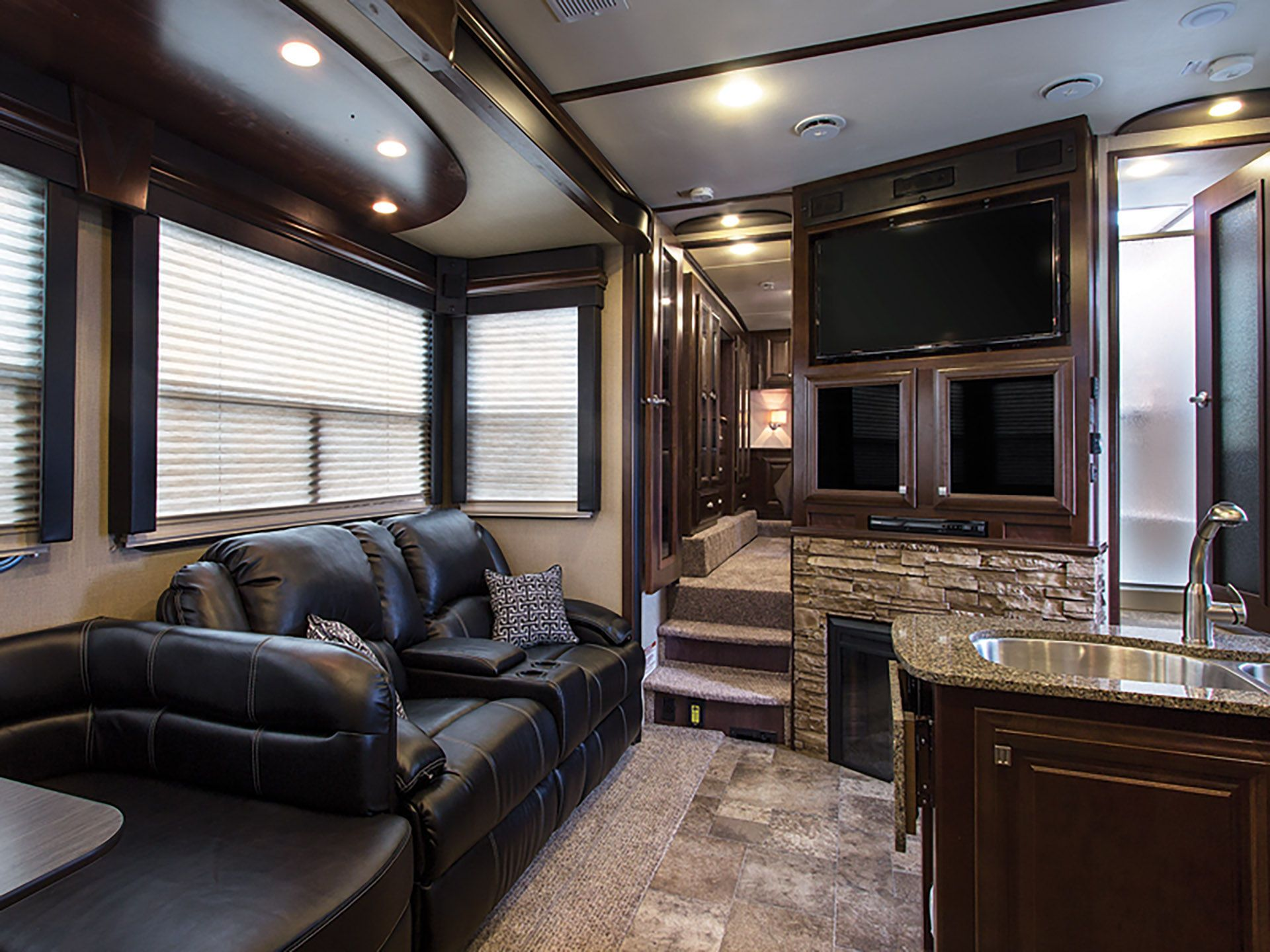RV Makeover with Lippert Components (Furrion Appliances