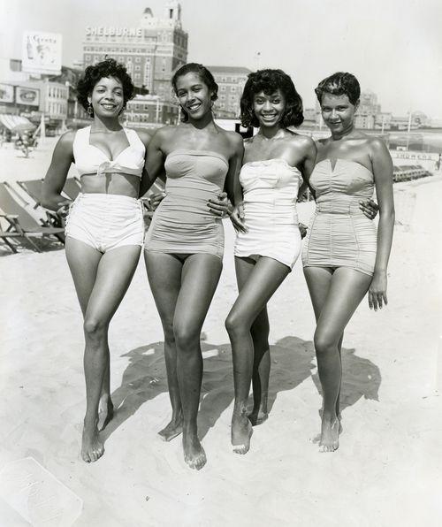 beach women Vintage