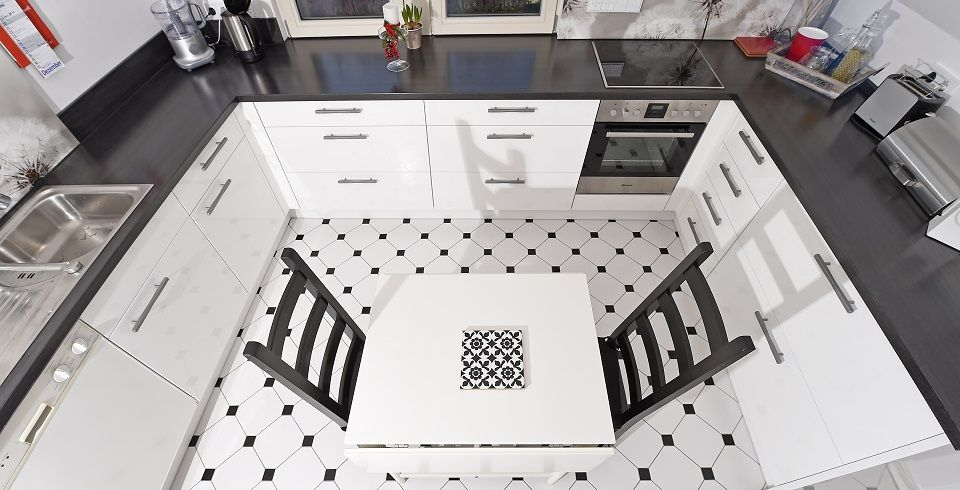 fliese cervatto i 20x20 cm i weiss wenn auf dem boden fliesen in schwarz oder wei verlegt. Black Bedroom Furniture Sets. Home Design Ideas