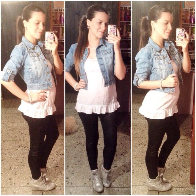 Sporty look #ootd #sportylook #wedgesneakers #denimjacket #liquidleggings #babybump #pregostyle #pregnantstyle