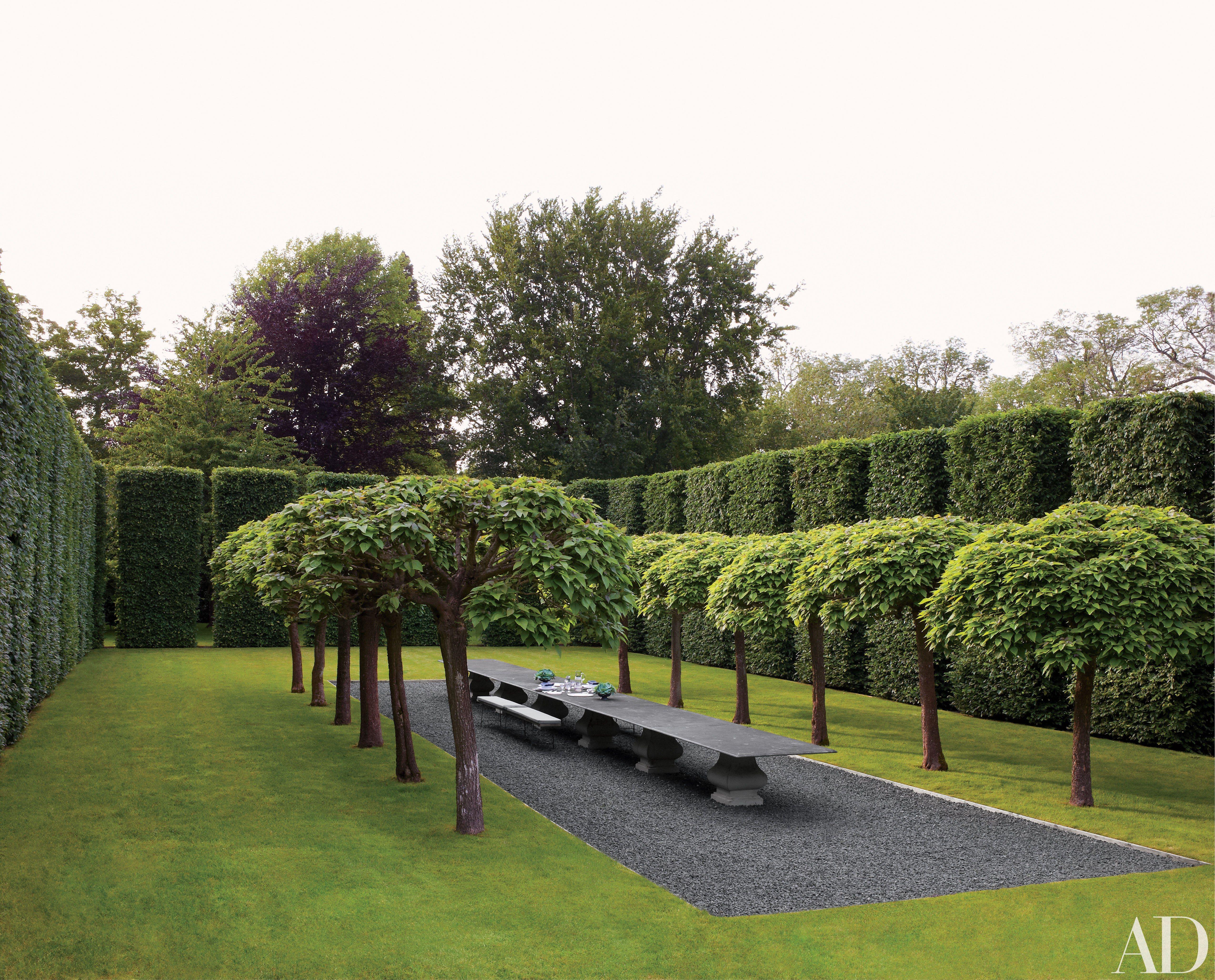 38 Beautifully Landscaped Home Gardens Architectural Digest Landscape Design Formal Gardens Garden Design