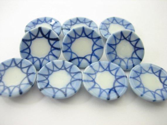 10x20mm Orchid Flower Paint Scallop Plate Dish Dollhouse Miniature Ceramic 12946