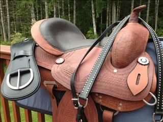 Rocky Creek Hill Treeless Saddles- treeless barrel racing saddle
