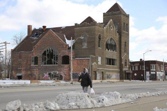 Mit dem Wegzug der Menschen bleiben nur Ruinen. Auch vormals ansehnliche Kirchen werden dem Verfall überlassen.
