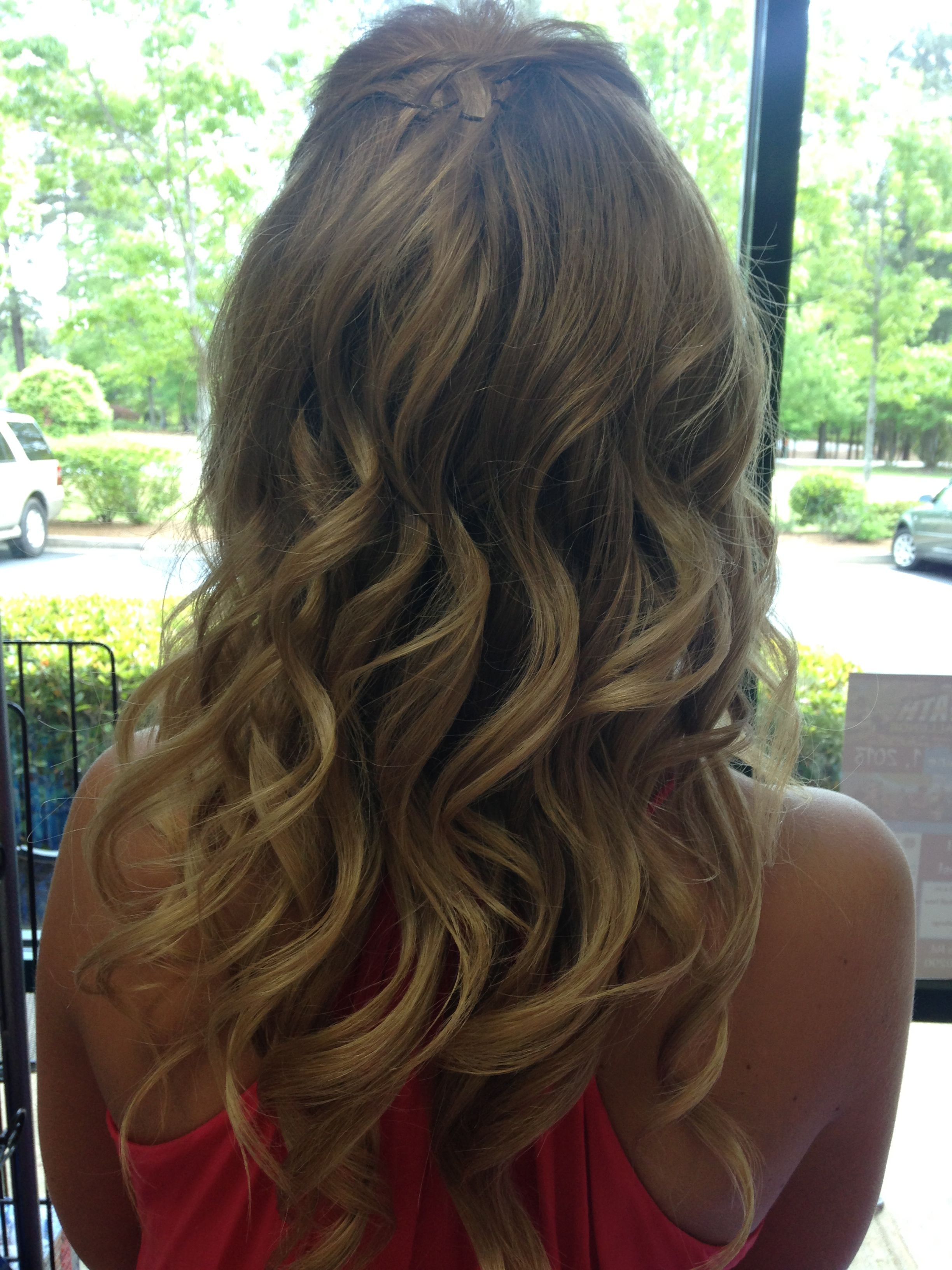 Curly prom hair