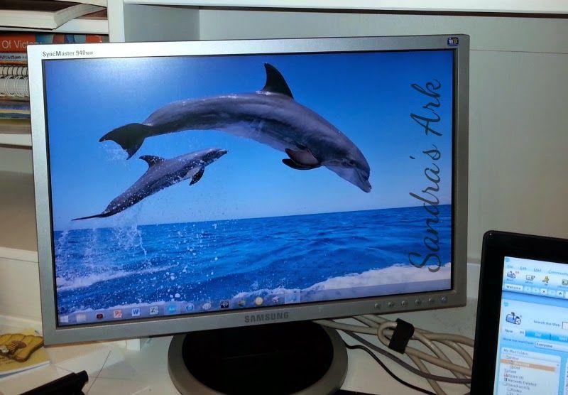 Things I Love Blue compueter screensaver at Sandra's Ark: I Love the colour Blue - Things I Love #7 Tues http://www.sandrasark.blogspot.co.uk/2014/10/i-love-colour-blue-things-i-love-7-tues.html
