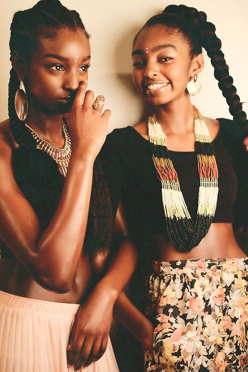 Nattes avec rajouts sur cheveux afro crépus naturels
