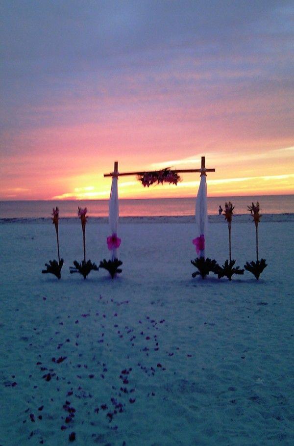 Simple sunset beach wedding decoration photos shoot sunset beach simple sunset beach wedding decoration photos shoot sunset beach wedding arch decor 2014 sunset junglespirit Gallery