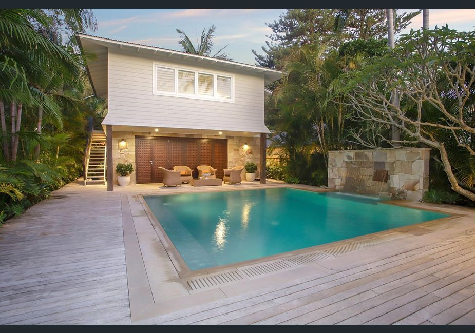1049 Barrenjoey Road Palm Beach Nsw 2108 House For Sale Realestate Com Au Palm Beach Luxurious Bedrooms Glamorous Living