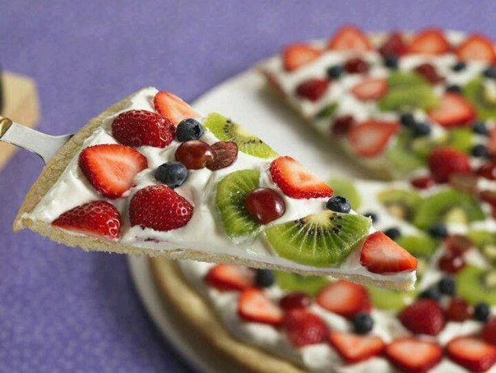 Yummy fruit pizza