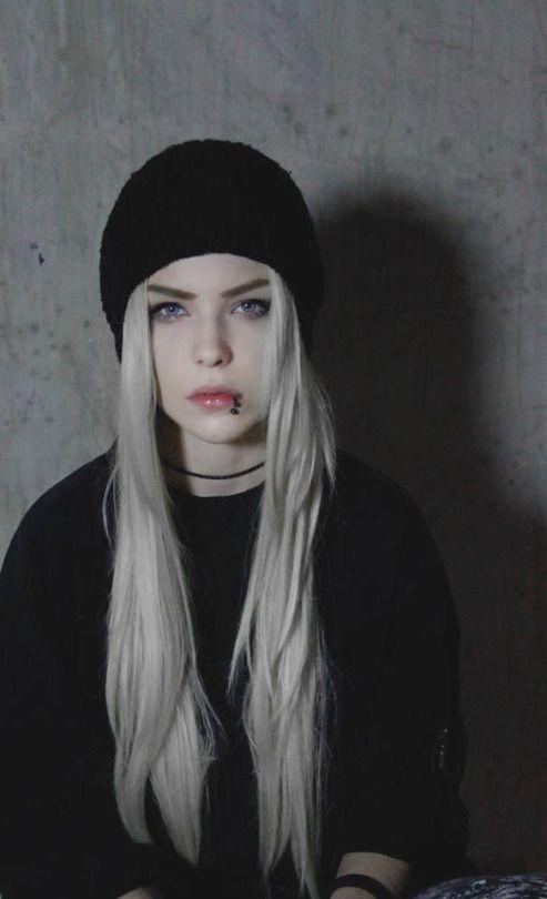 Alexandra Catherine Axelina Emo Girls Emo Hair Cool