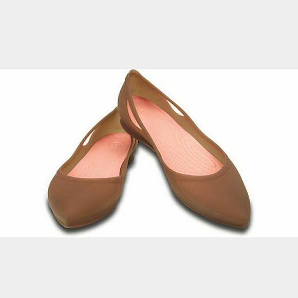 Brown  Crocs pointed toe Rio flat in brown Great
