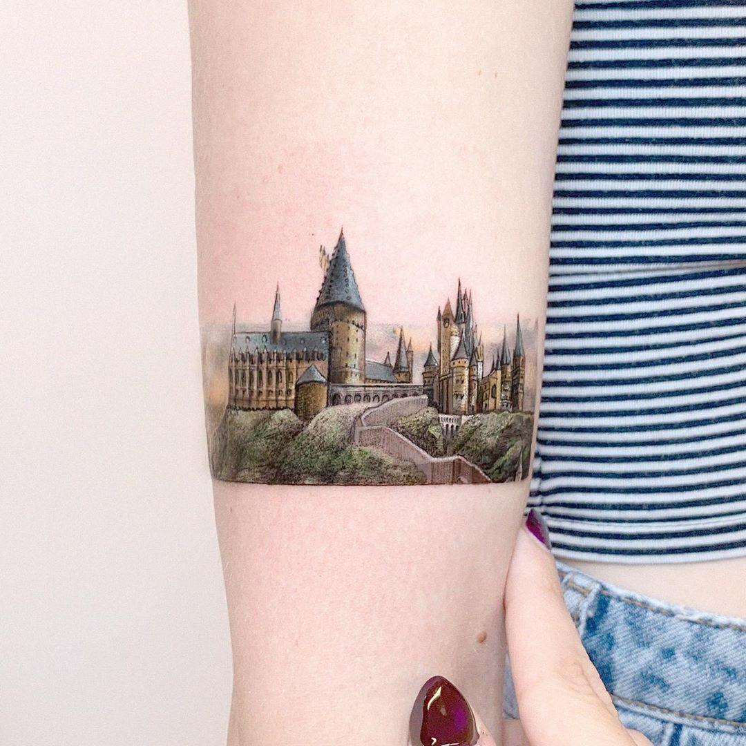 "Edit Paints Tattoo on Instagram: ""🏰 tiny hogwarts castle🏰 swipe for the full tattoo #editpaints #harrypotter"""