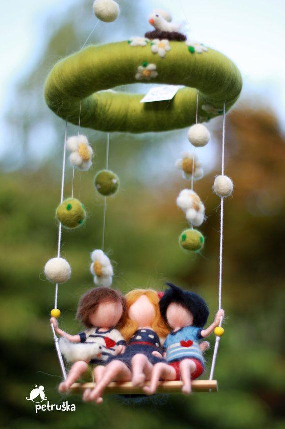 Amour de la famille, bébé mobile, home déco, feutrine, personnalisé cadeaux, baby shower, bricolage, feutrage à l'aiguille, waldorf