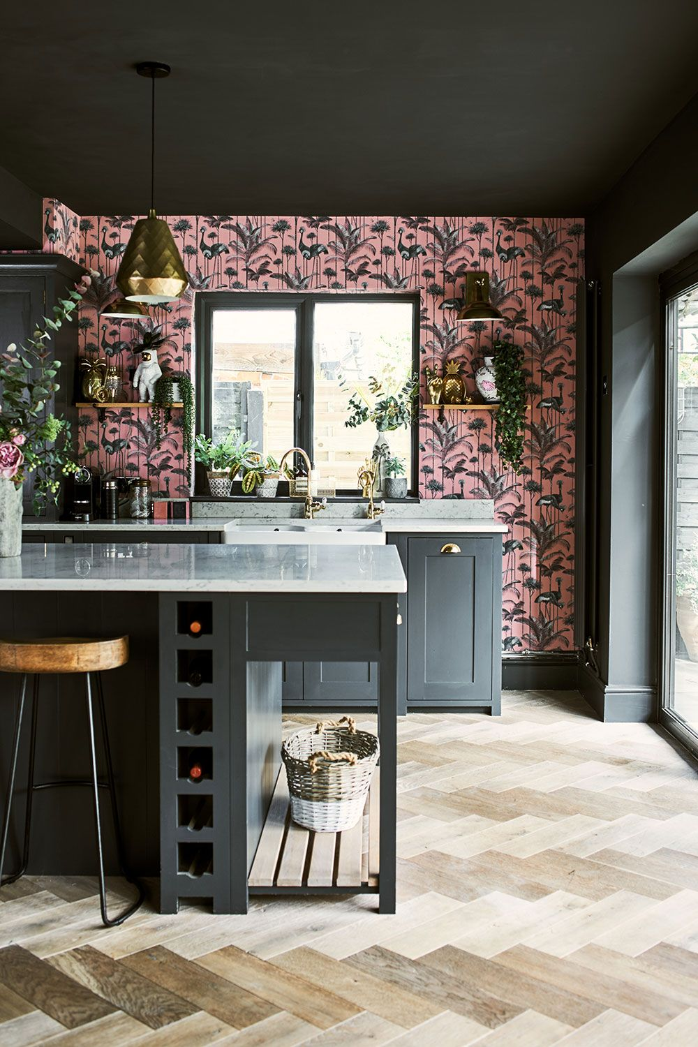 Bold decor for traditional English kitchen by Neptune 〛 ◾ Фото