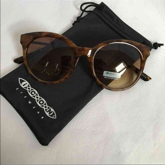 Awesome Sunglasses! Brand new, as pictured! Comes with dust bag! Perfect for summer! Accessories Sunglasses