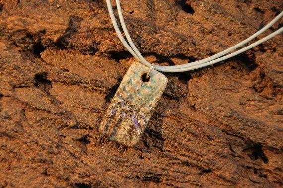 Hey, diesen tollen Etsy-Artikel fand ich bei https://www.etsy.com/de/listing/492888279/necklace-raku-ceramic-with-leather-strap
