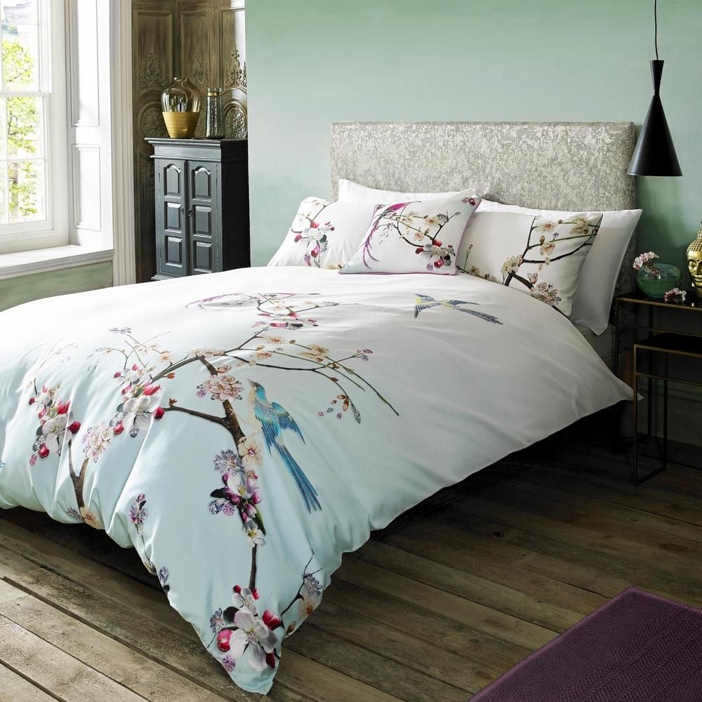 The New Ted Baker Bed Linen Collection Lives Up To The Ted Baker Name Offering Pure Style And Class With Dormitorios Colchas Para Cama Juegos De Ropa De Cama