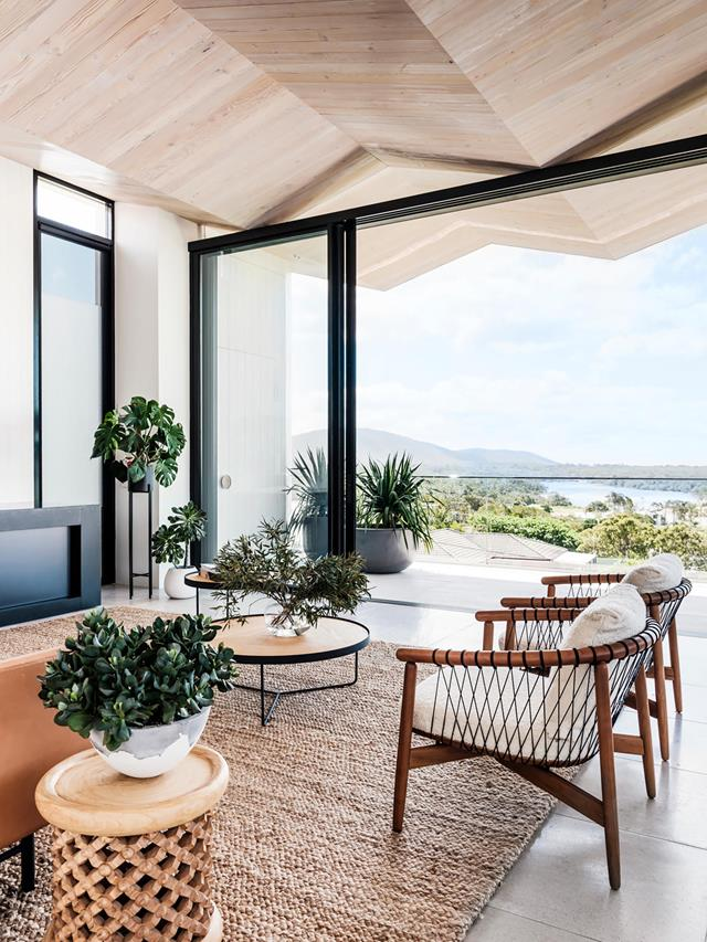 A luxury coastal apartment with breathtaking views | Belle
