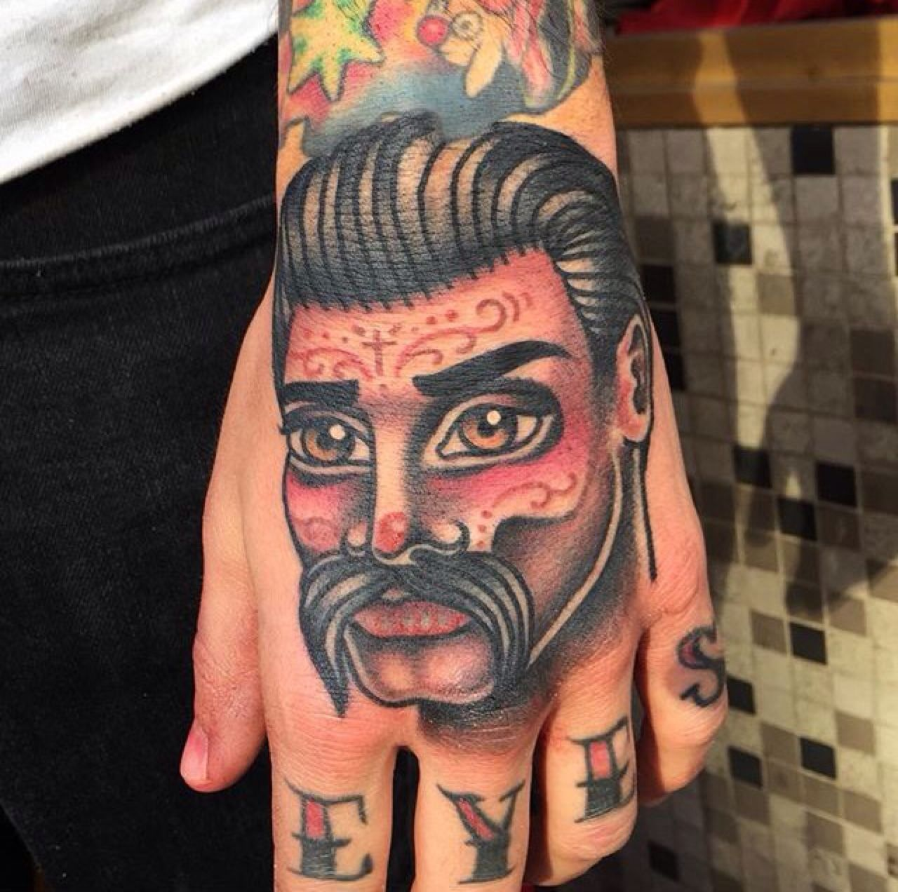 Pin de Matt Vigil em tattoos Tatuagem na mão, Tatuagem