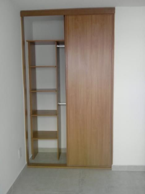 Closet de madera buscar con google new room ideas for Walking closet modernos pequenos