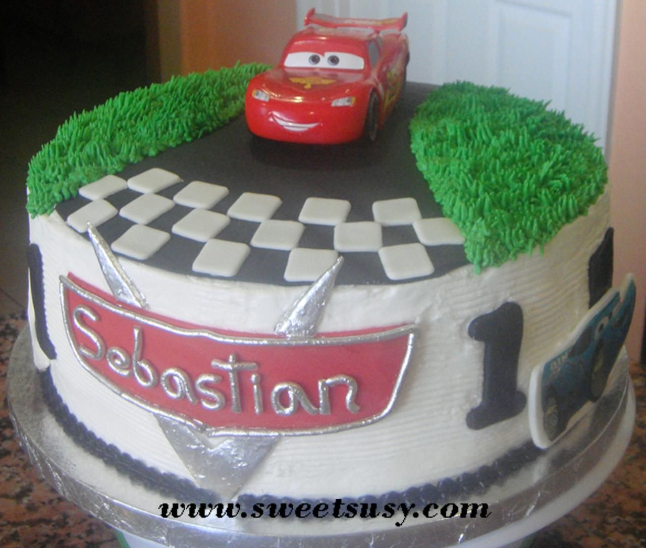 Cars Buttercream Cake Google Search With Images Disney