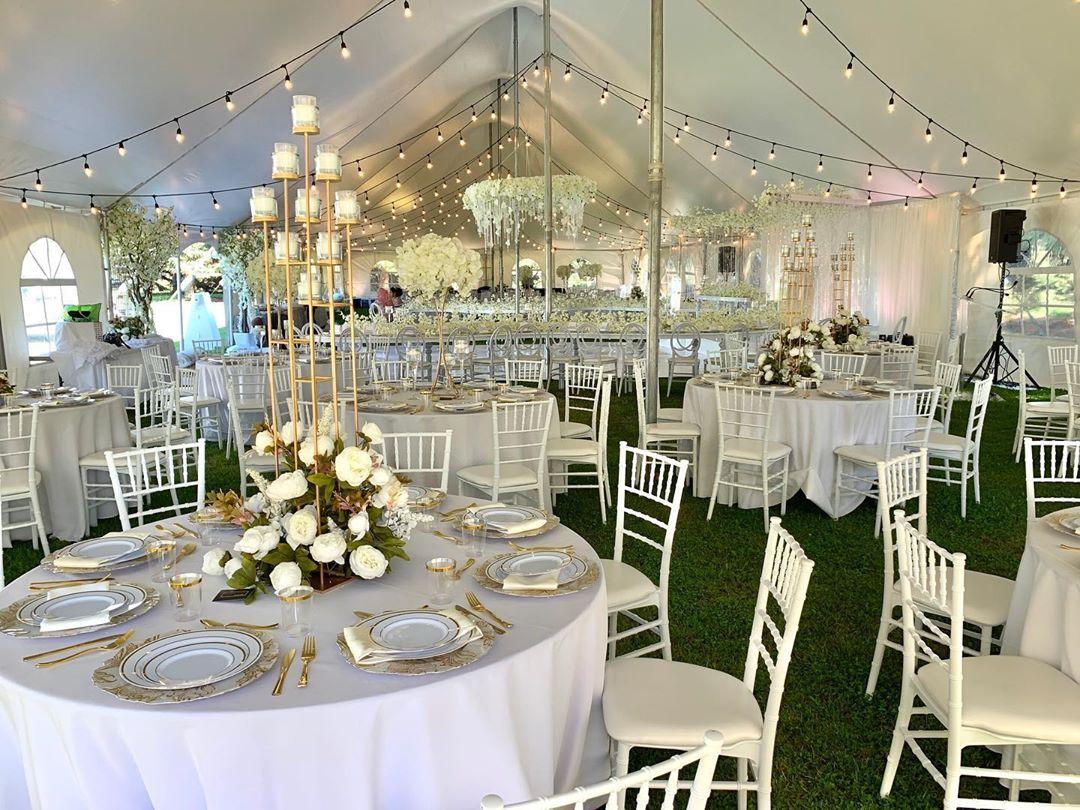 Another Exquisite Affair Design Amal Kilani Decor Rentals Exquisiteaffairs Tent Infiniteevents In 2020 Edmonton Wedding Wedding Decorations Wedding Planning