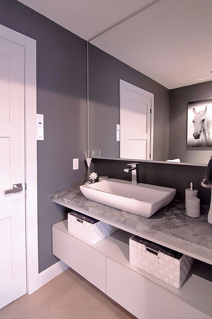 salle de bain classique/moderne, meuble lavabo, rangement ouvert ...