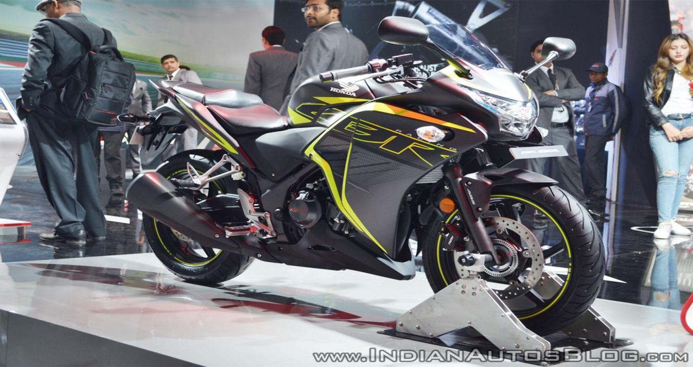 Honda CBR 250R 2018 được trang bị phanh ABS và đèn pha LED