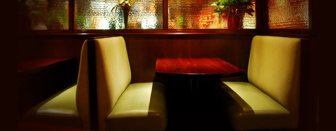 Choosing and organizing your restaurant booth seating