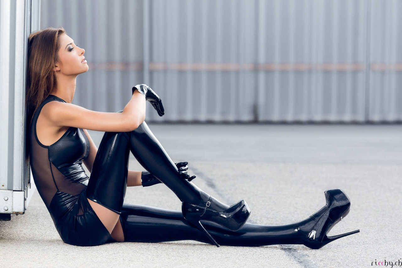 Boot in model platform sexy