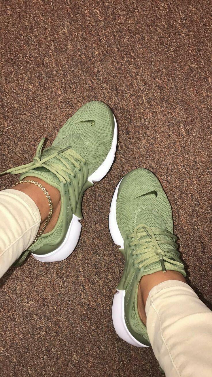 Pin su scarpe