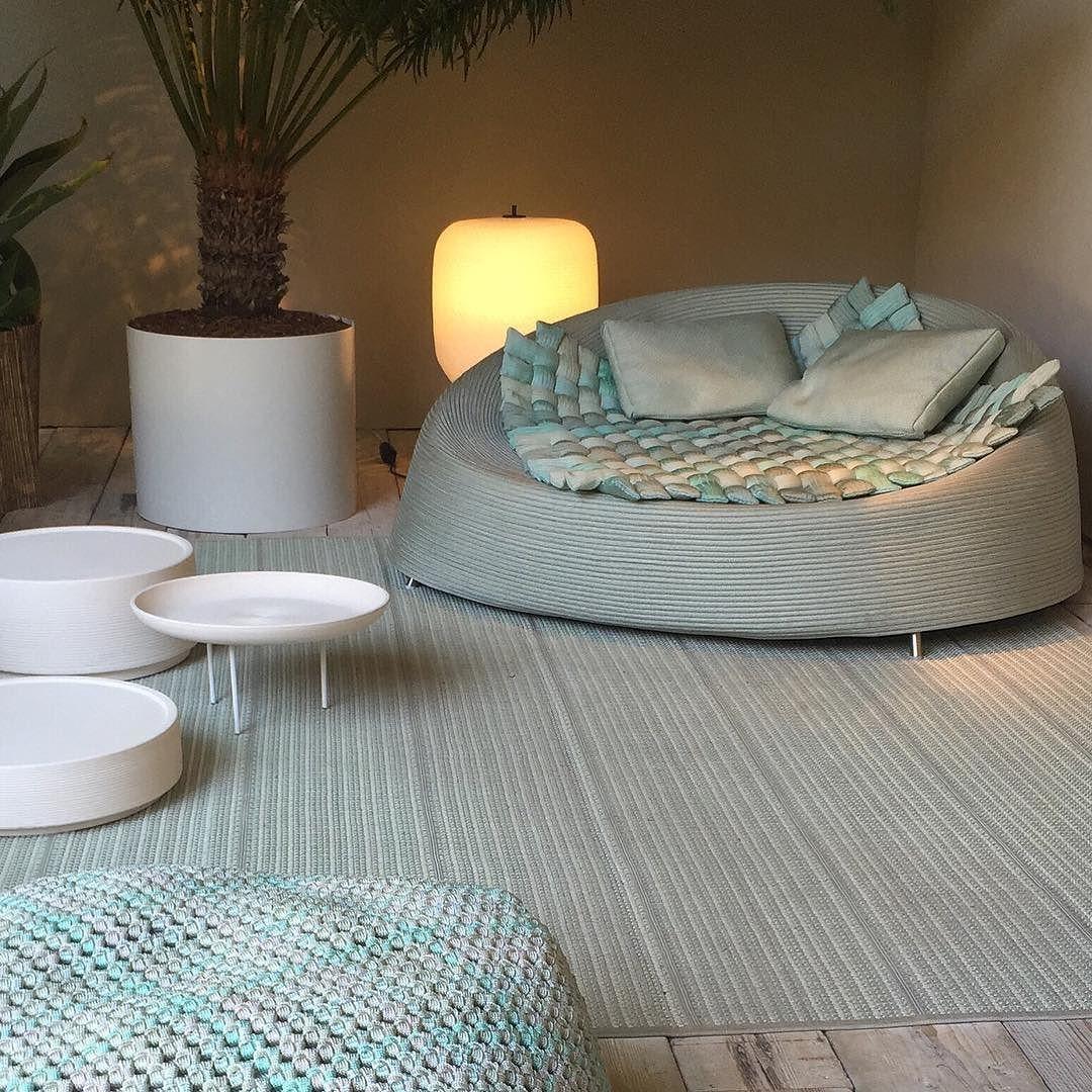 Aujourdhui  qu'hier que demain  #milano #italie #italy #italia  #fuorisalone2016 #milandesignweek #SaloneDelMobile2016 #isaloni #mdw2016 #milanogram2016 #ro #inspiration #interior #interiors #furniture #decoration #interiordesign #outdoors #designers #style #luxury #elegance #photooftheday #pictureoftheday  #faraway from #myhome #mylebanon  by randarchahine
