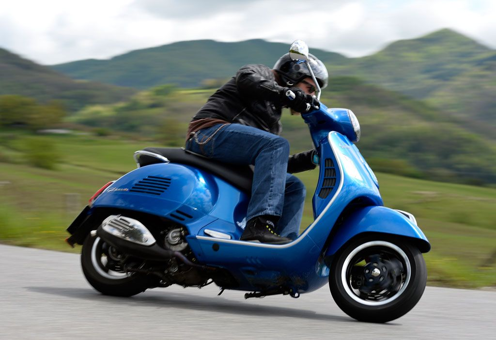 2015 vespa gts 300 super abs specifications and review i. Black Bedroom Furniture Sets. Home Design Ideas