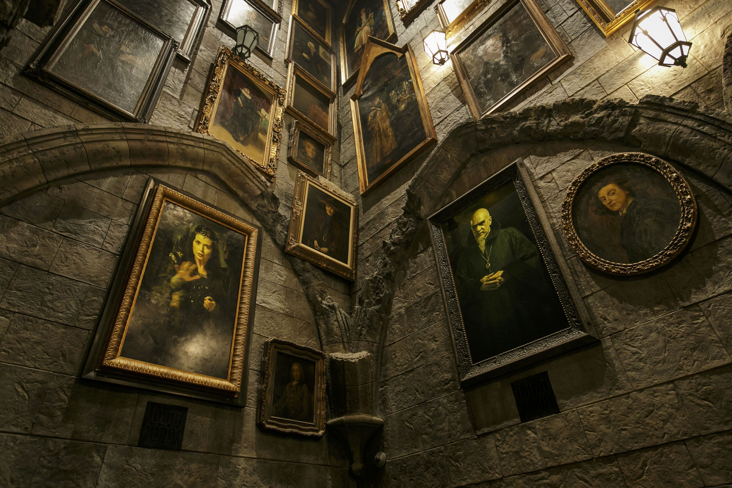 8 Insanely Cool And Secret Facts About The Wizarding World Of Harry Potter In La Harry Potter Universal Wizarding World Of Harry Potter Harry Potter Universal Studios