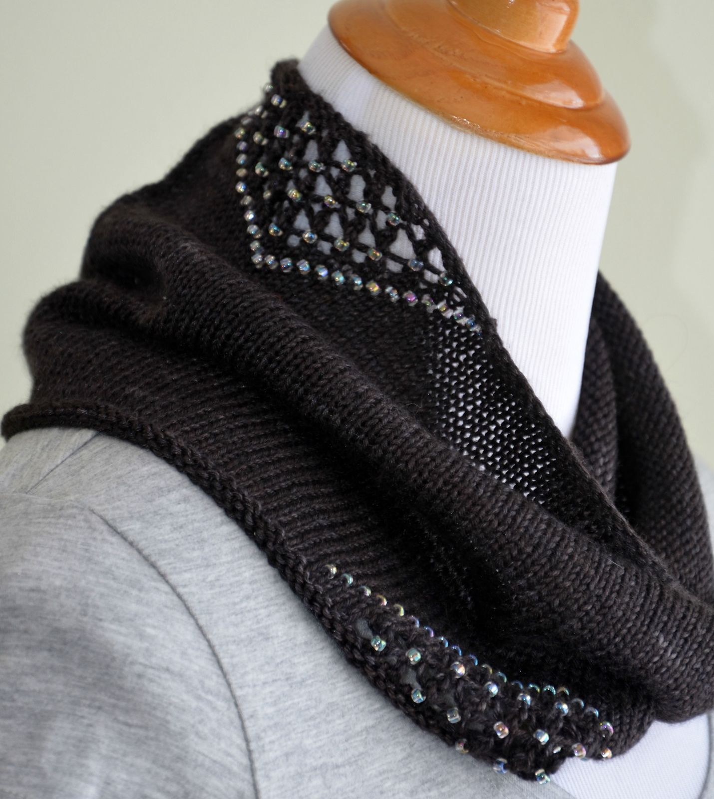 Ravelry: Twilight pattern by Stephani Camp | Cowl knitting ...
