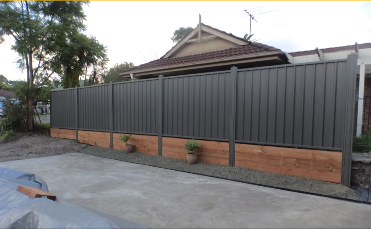 Low Price Colorbond Fencing Sheets Colorbond Fence Gates Cardiff Newcastle Lake Macquarie Building A Fence Metal Fence Fence Decor