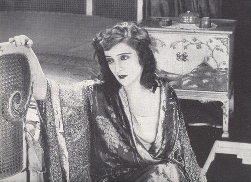 Italian silent film diva - Maria Jacobini in Come le foglie, 1916 by italiangerry, via Flickr