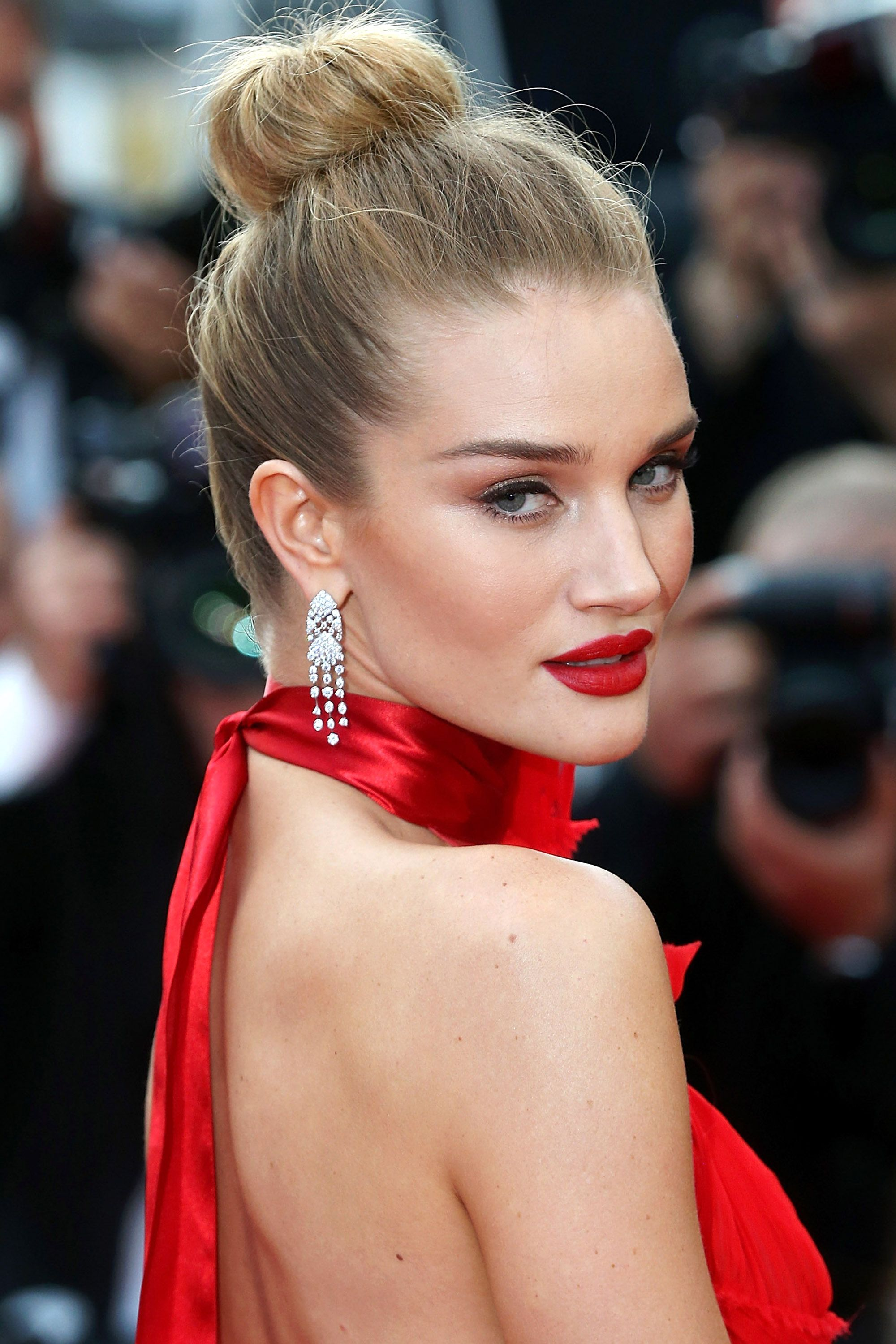Cannes 2016 Beauty | Rosie Huntington- Whiteley - May 19, 2016