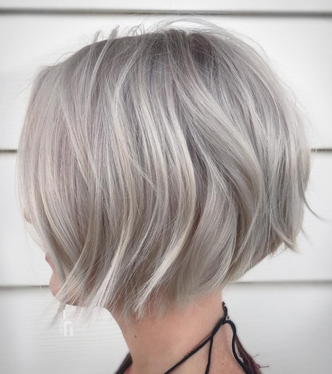 Chic Medium Bob Haircut For Women Shoulder Length Bob Hairstyle Designs Medium Bob Haircut Haircuts For Medium Hair Thick Hair Styles