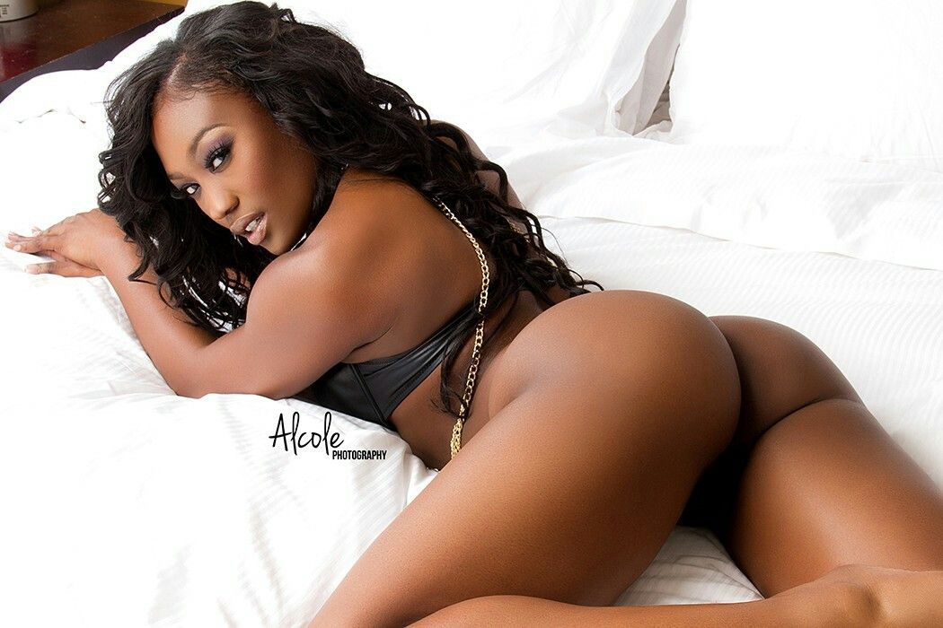 Will sexy black girls cell pics with
