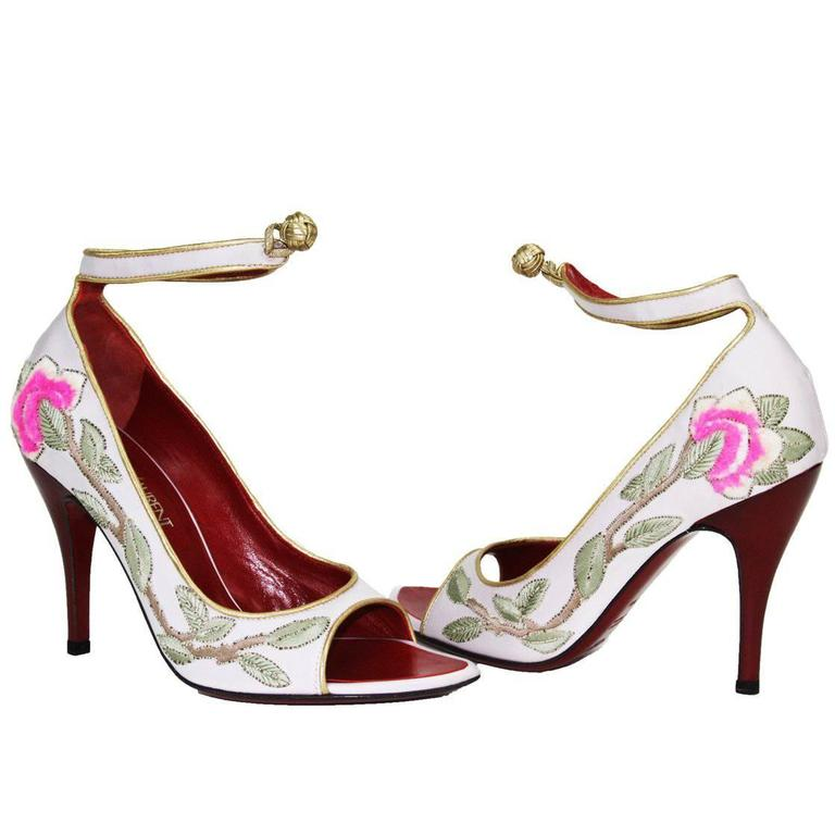 outlet 2014 looking for sale online Yves Saint Laurent Vintage Embroidered Pumps online cheap quality buy cheap low price dPMvL5BJz