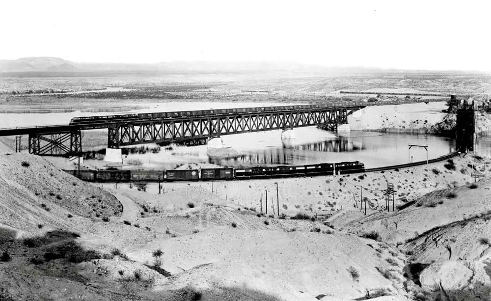 The ATSF replaced its 1890-built through-truss bridge over the Colorado River with a deck-truss span in 1942-44. Santa Fe Company Photo.