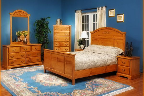 Broyhill Knotty Pine Bedroom Furniture