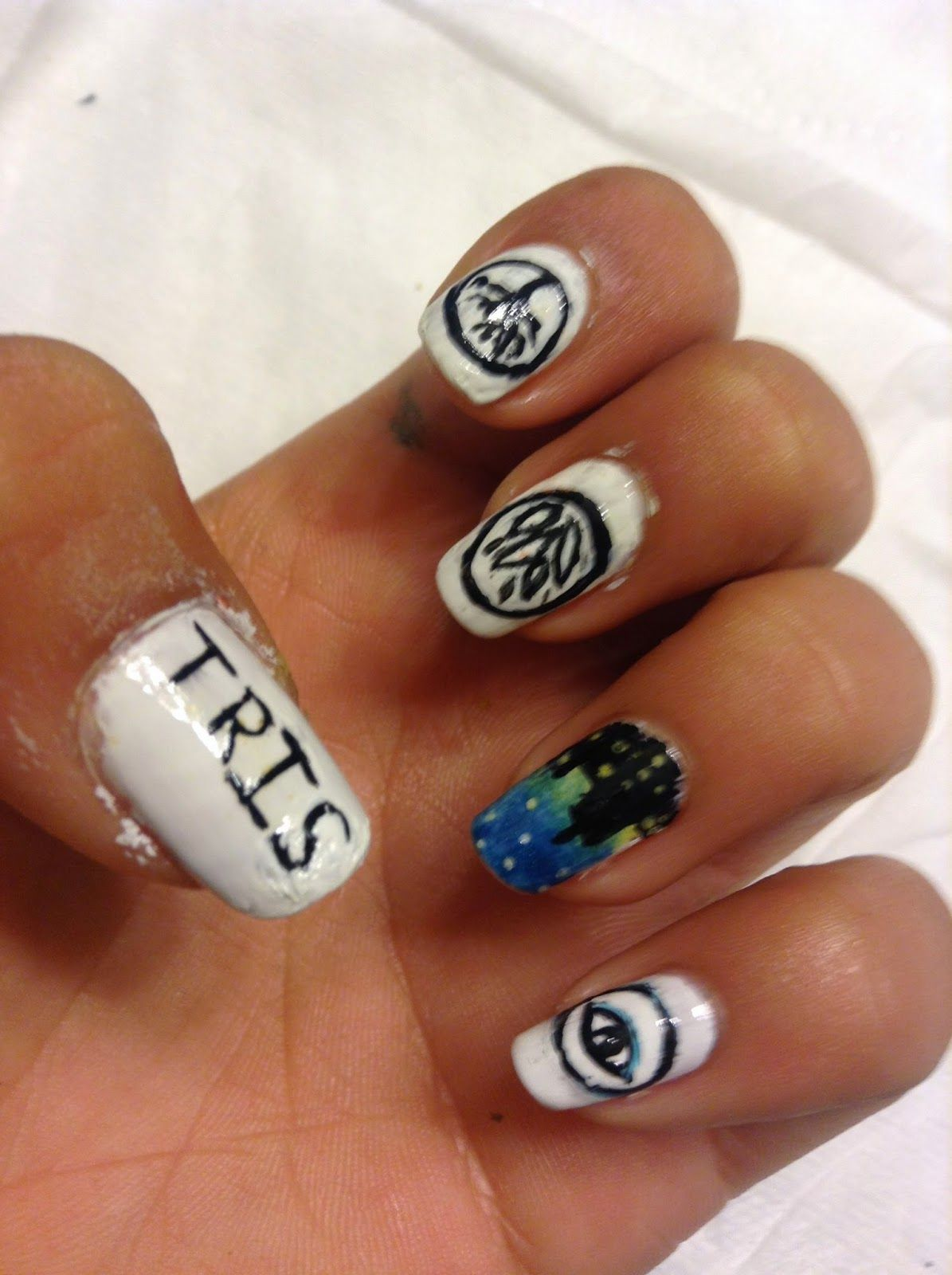 The Biscuit Sisters Divergent Nails Nails Pinterest