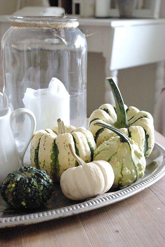 (O))) Squash, gourd, pumpkin, candles, fall seasinal vignette #herbstdekotischtablett